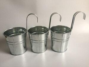 Image 1 - 10 unids/lote D9.5XH18CM balde colgante maceta de balcón de hierro maceta para jardín de infantes decoración de Metal para guardería