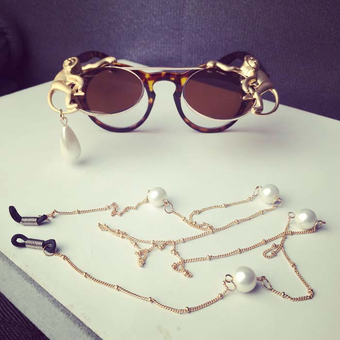 a839bbb669 New brand metal Retro Leopard frame metal Gold Monkey Baroque sunglasses  Luxury Sun Beach Metal Chain pearl round glasses women-in Sunglasses from  Apparel ...