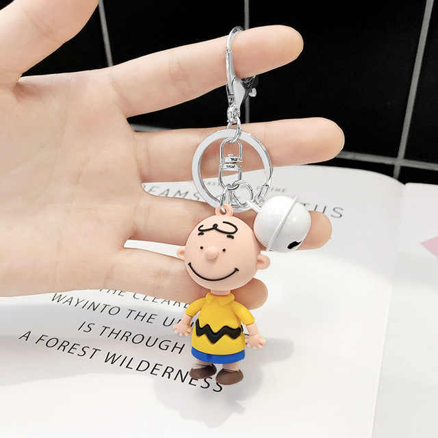 Bonito dos desenhos animados charlie brown chaveiro para senhoras saco de carro criativo encantos acessórios chaveiro anime namorado chave anel 2019