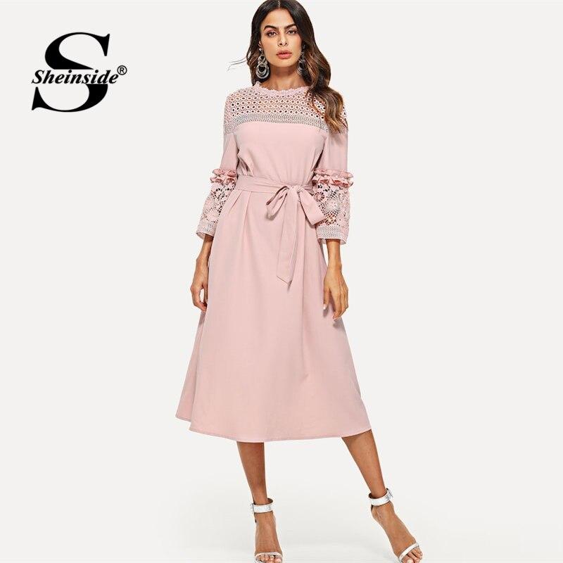 228859922a084a7 Sheinside розовый кружево выдолбленные миди платье для женщин 2019 Весна  3/4 рукав рюшами Сращивание платья для элегантный поясом линии