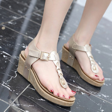 Sandals women 2019 summer new fashion wedge-shaped herringbone buckle comfortable large size casual ladies sandals