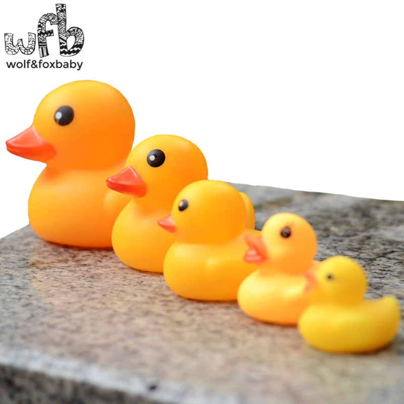 Retail 40pcs/lot Cute Baby Girl Boy Bath Bathing Classic Toys Rubber Race Squeaky Ducks Yellow Sale Choice Materials