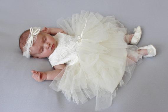 Bastante vestidos infantiles para el bebé muchachas del muchacho de manga corta blanca/de marfil precioso vestidos de bautizo con bowknot