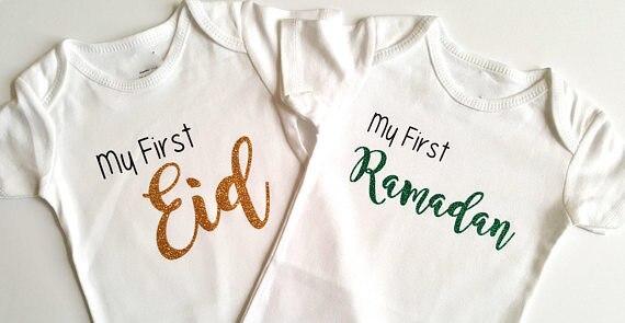 PersonalizeMy primeiro Eid Ramadan Islâmico bodysuit onepiece romper Roupa de Ano Novo de aniversário do bebê chuveiro favores do partido presentes muçulmano