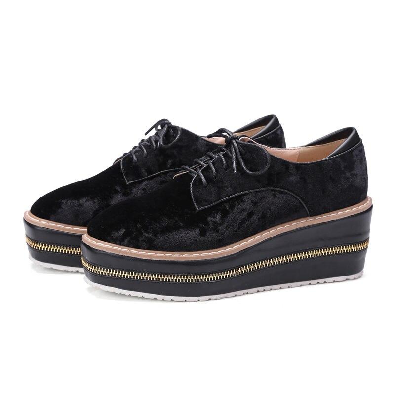 ФОТО Big Plus Size Casual Women Flats Derby Brogue Lace-up Platform Wedge Shoes Flock Zipper Spring Autumn Party Black Ladies Shoes