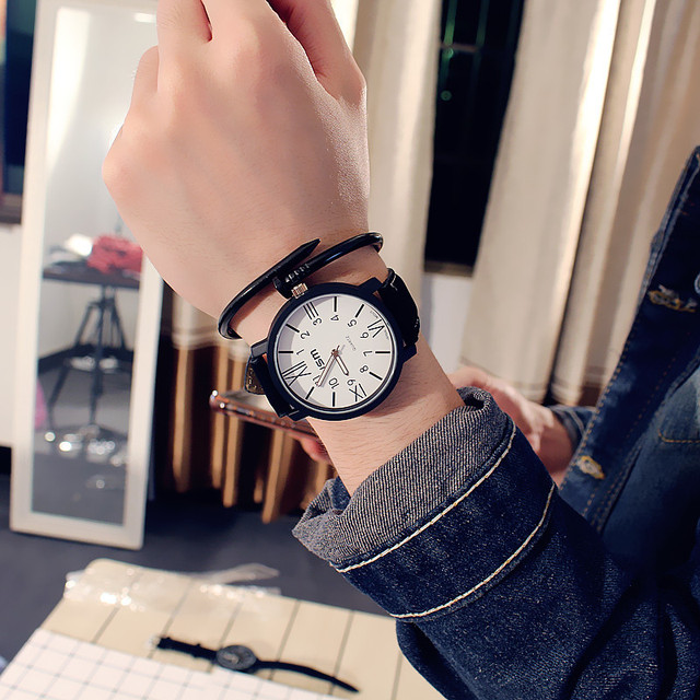 South Korea's new big dial men and women watches trendy fashion casual couple wristwatches Student men retro female watch clock