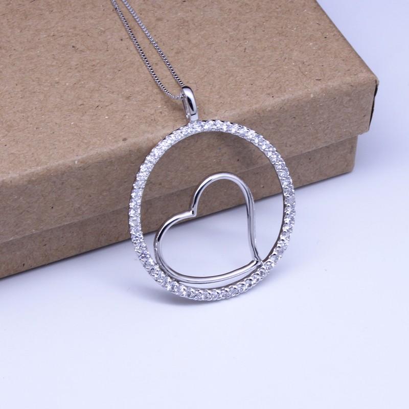 pendant necklace 1