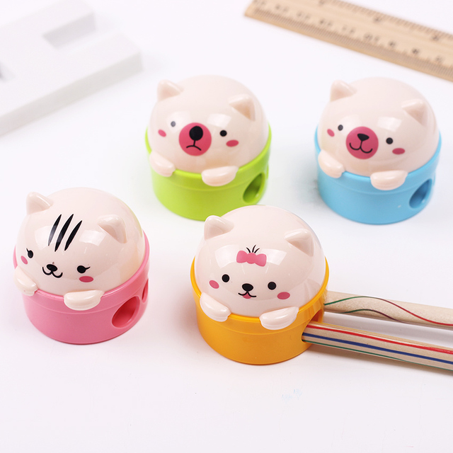 2PCS/lot Kawaii Plastic Cartoon Cat and Bear Pencil Sharpener for Student School Material Stationery Novelty Gift Prize