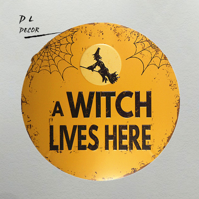 DL A Witch Lives here wall art sticker Metal plaque Novelty Round ...