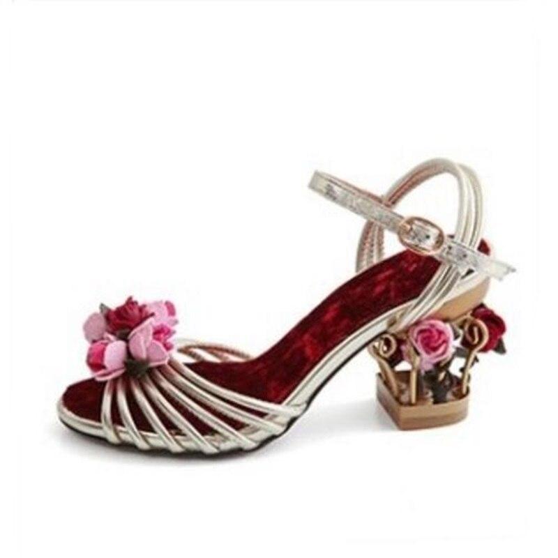 Nouveau Designer fleur talons femmes sandales découpé or à bretelles robe chaussures velours mariée talons mariage robe chaussures livraison gratuite