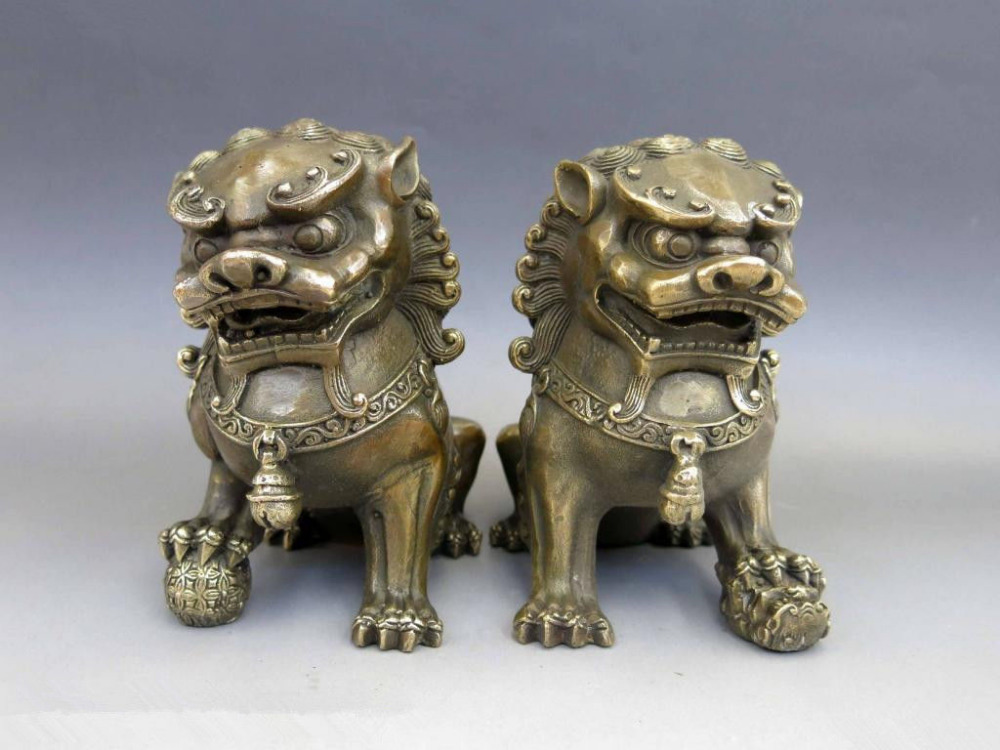 Chinois laiton cuivre Animal Feng shui Foo chien Lion maison de ville Statue paireChinois laiton cuivre Animal Feng shui Foo chien Lion maison de ville Statue paire