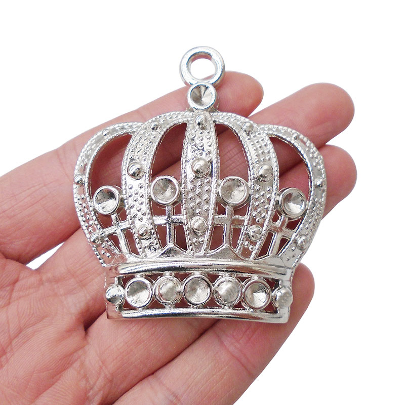 3 x Tibetan Anitque Silver Tone Large Crown Charms Pendants Hollow Open Fit Necklaces Jewelry Making Findings 58x54mm in Pendants from Jewelry Accessories