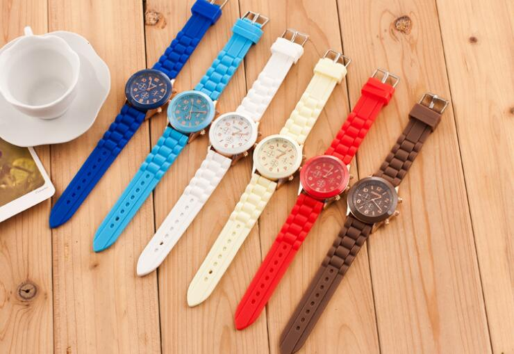 цена Vintage Classic Men Waterproof Date Leather Strap Sport Quartz Army Watch Male Wristwatch relogio masculino relojes