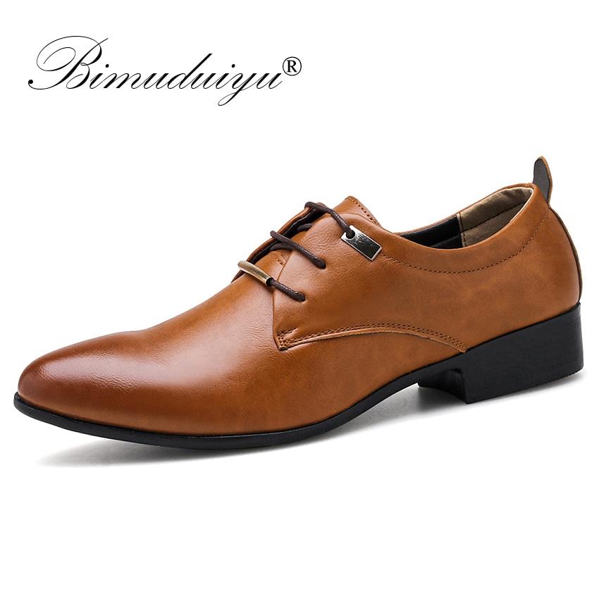 BIMUDUIYU 男性ドレスオフィスの靴のファッションポインテッドトゥメンズビジネスカジュアルシューズブラウン黒革オックスフォード正式な靴  グループ上の 靴 からの 正式な靴 の中 1