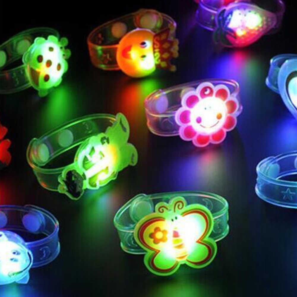 2018 חדש 2 יחידות פלאש אור LED יד להקת שעון צעצוע מתנה מתכוונן צמיד ילדים פלסטיק פעוטות ליל כל הקדושים קישוט