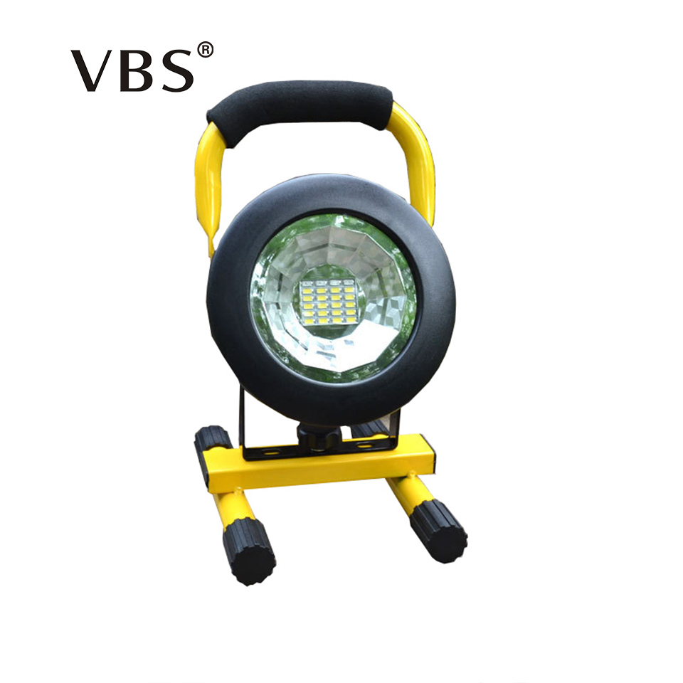LED Floodlight T6 Portable Spotlight Movable outdoor camping light Rechargeable grassland Not included 3*18650 batteries
