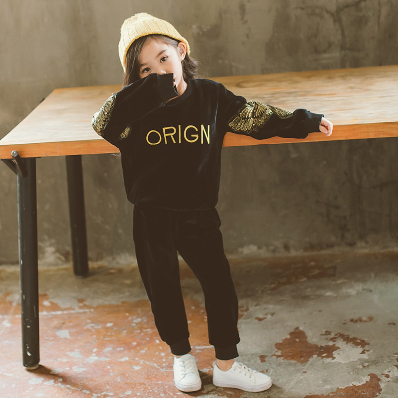 Retail 2018 Autumn Winter kids suits Embroidered cotton long sleeve clothes Thickening boys and girls fashion suit for 2-7 age 2017 new boys clothing set camouflage 3 9t boy sports suits kids clothes suit cotton boys tracksuit teenage costume long sleeve