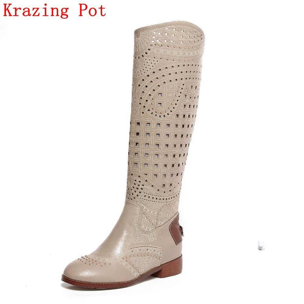 2018 büyük boy marka ayakkabı Cut çıkışları oyma içi boş perçin yuvarlak ayak elmas bayan yaz botları Med topuklar süperstar sandalet l9F2