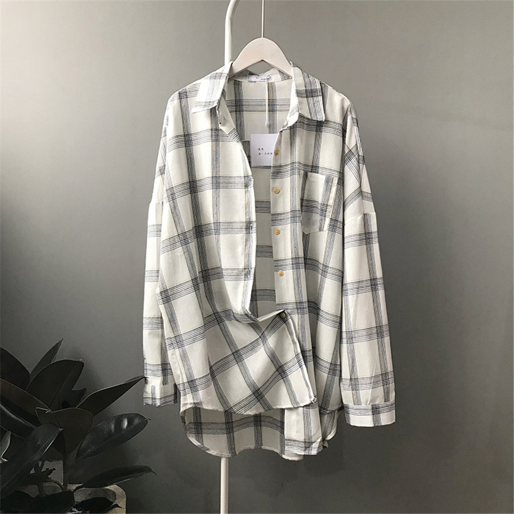 Big Loose women plaid blouses shirts 2018 Women Office Air Conditioner Blouse Shirt Female Outerwear Casual Pocket Shirts (4)