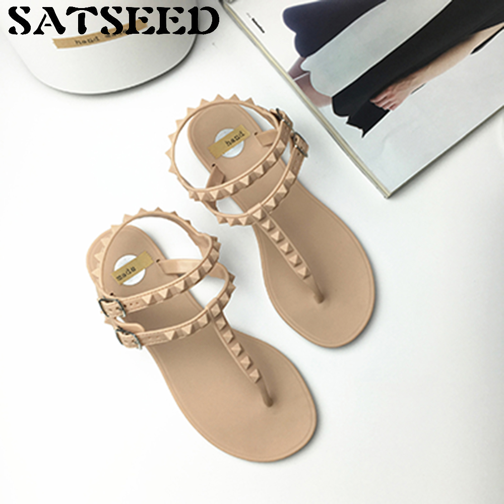 Rivet Wind Rome Sandals Female Korean Students All-match Flat with Flip Flops Jelly Women Shoes Buckle Strap New Fashion Novelty 2017 fashion melissa jelly rhinestones flip flops bow glitter sandals women stransparent flat single shoes