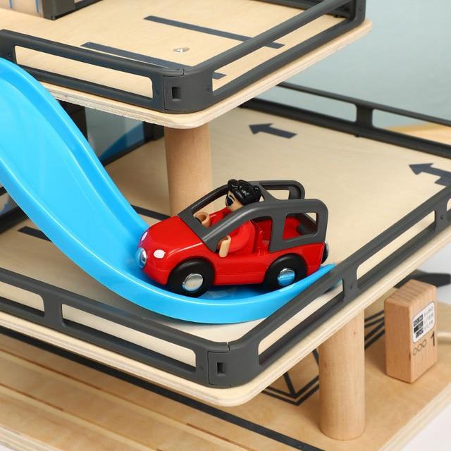 parking de juguete con rampas