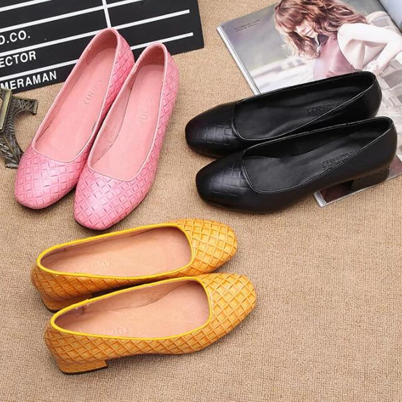 2017 Spring Summer High Quality Female Low Heels Slip On Shoes Genuine Leather Round Toe Women Fashion Pink Yellow Black Pumps women s casual genuine leather shoes sheepskin block low heels pumps round adornment brown black low heels shoes for women