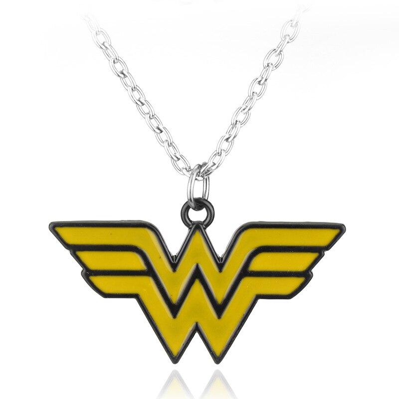 SC Новое поступление Wonder Woman Цепочки и ожерелья для Для женщин Лидер продаж супергероя Wonder Woman W логотип желтый Эмаль Цепочки и ожерелья ожере...