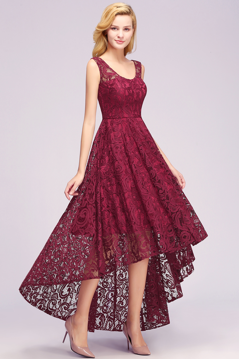 2019 Burgundy Lace Short Prom Dresses High Low Sleeveless Prom Gown Vestido de festa in Prom Dresses from Weddings Events