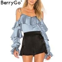 Berrygoセクシーなストラップコールドショルダーサテンブラウスシャツ女性ティアードフリルフレアスリーブ固体ブラウス2018春絹のようなblousaファ