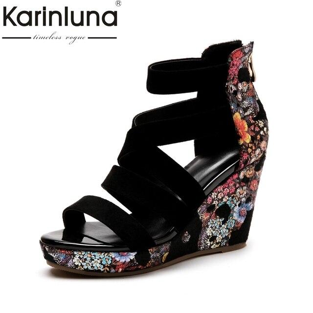 de27ab096 KarinLuna 2018 Flores Impressão Crina de Cavalo De Couro de Verão Sandálias  Plataforma Sapatos de Cunha