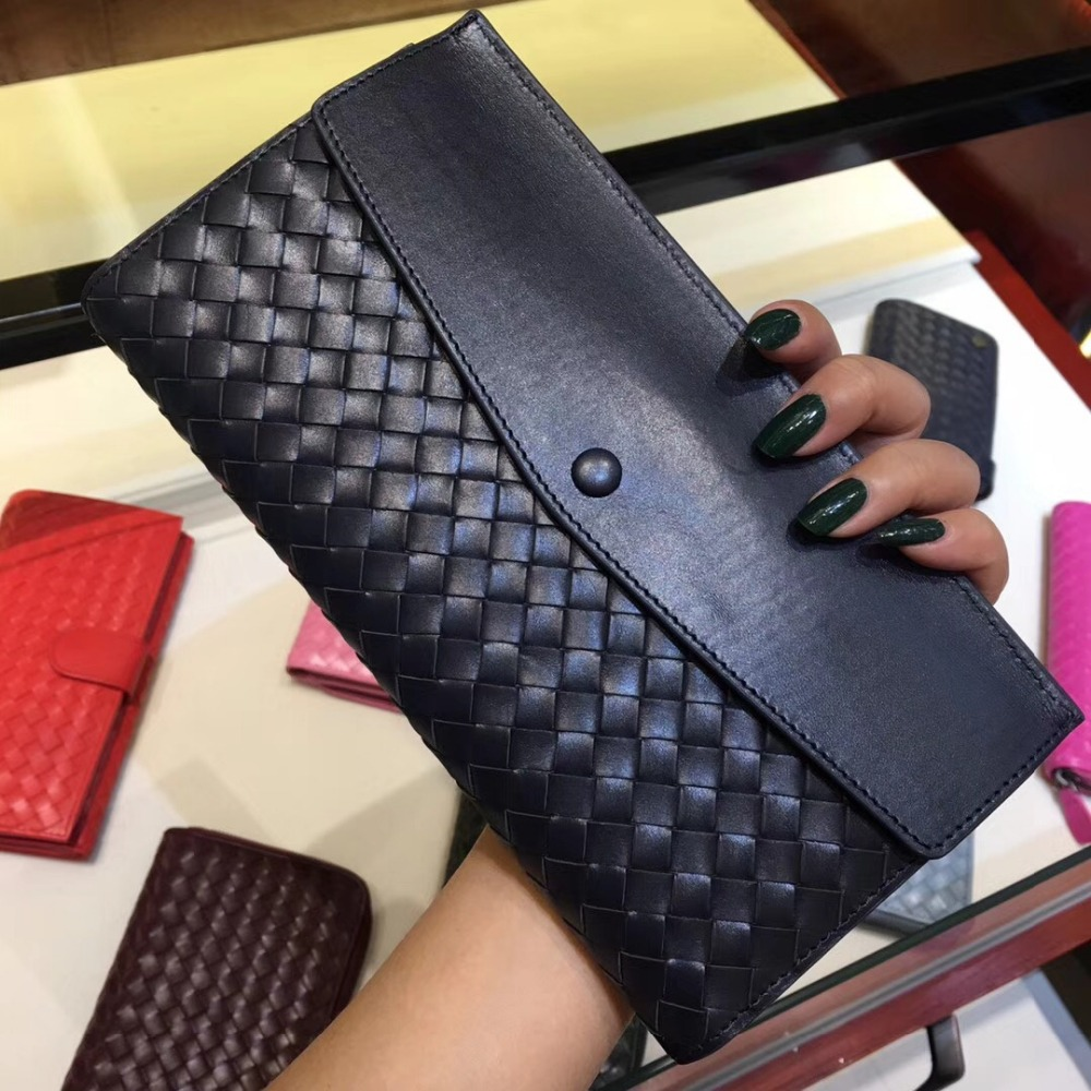 2018 Women's bag Woven wallet. Hand woven bags Genuine Leathe The first layer of leather Purse bag and bag Lady's wallet Clutch europe and the first layer of leather woven bag bag leather making small bag 2018 new single shoulder bag lady