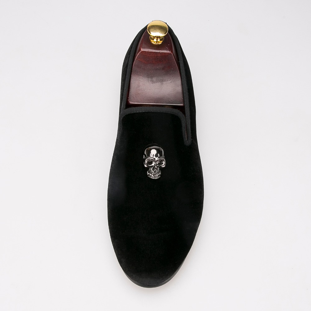 Delicate low key skull buckle Carrefour velvet wedding shoes banquet sets  of men s shoes sapato social masculino-in Formal Shoes from Shoes on ... 0ca7b551bef7