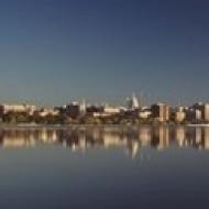 США Висконсин Мэдисон озеро монона города на набережной плакат печать (36x13)