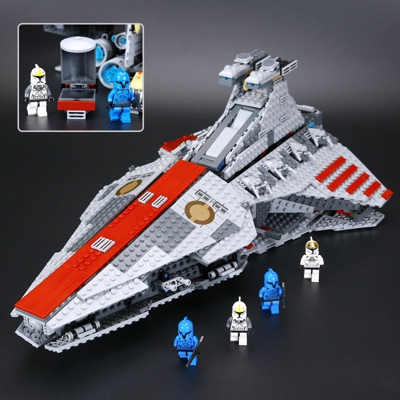 LEPIN 05042 Star Series Wars The Republic Fighting Cruiser Set Building Blocks Toys for Children Compatible LegoINGlys 8039 new lepin 16009 1151pcs queen anne s revenge pirates of the caribbean building blocks set compatible legoed with 4195 children
