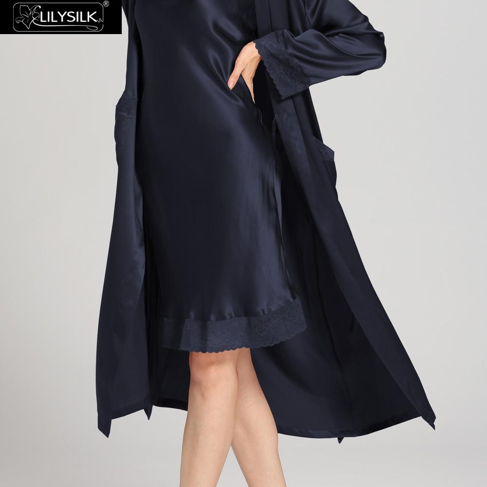 1000-navy-blue-22-momme-lace-long-silk-nightgown-&-dressing-gown-set-03