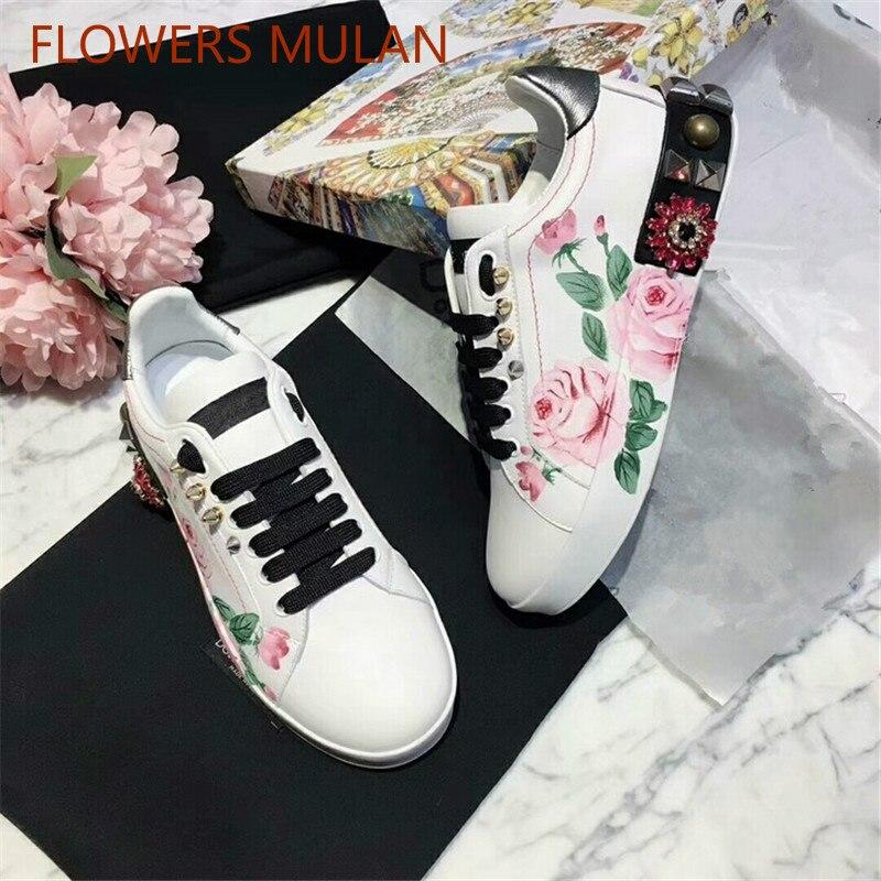 Marque de luxe mode femme chaussures Graffiti à lacets Rivets chaussures Notation de fleurs casual femme chaussures appartements Zapatos Muje