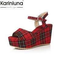 Karinluna/2017 scotticize проверьте зонтик большой размеры 33–45 женская обувь на платформе Винтаж клинья Высокие каблуки знакомства Сандалии для девоч...