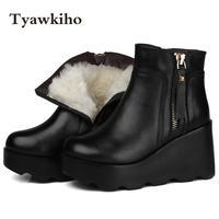 Tyawkiho Winter Frauen Schnee Stiefel Schwarz Aus Echtem Leder Stiefeletten Schafspelz 9 CM Keilabsatz Warme Schuhe Frauen Motorrad Boot