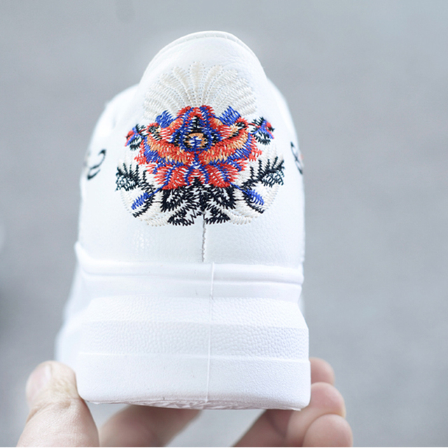 WAWFROK Women Casual Shoes Summer 2018 Spring Women Shoes Fashion Embroidered Breathable Hollow Lace-Up Women Sneakers 4