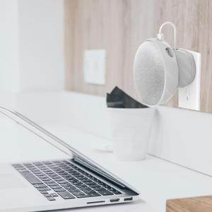 "Image 5 - קיווי עיצוב 1PCS ארה""ב/איחוד אירופי גרסה מגנטי גומי לשקע קיר הר Stand מחזיק מקרה עבור Google בית מיני רמקול"