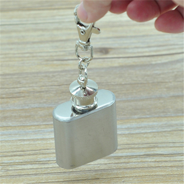 Mini Portable Key Chain Style Stainless Steel 1oz Pocket Hip Flask Alcohol Whiskey Liquor Screw Cap High Quality Gift Outdoor