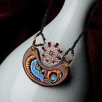 Bordado étnico collar colgante de madera para las mujeres aleación de cobre roudn carnelian perlas gota negro chian cuerda joyería de la nueva llegada