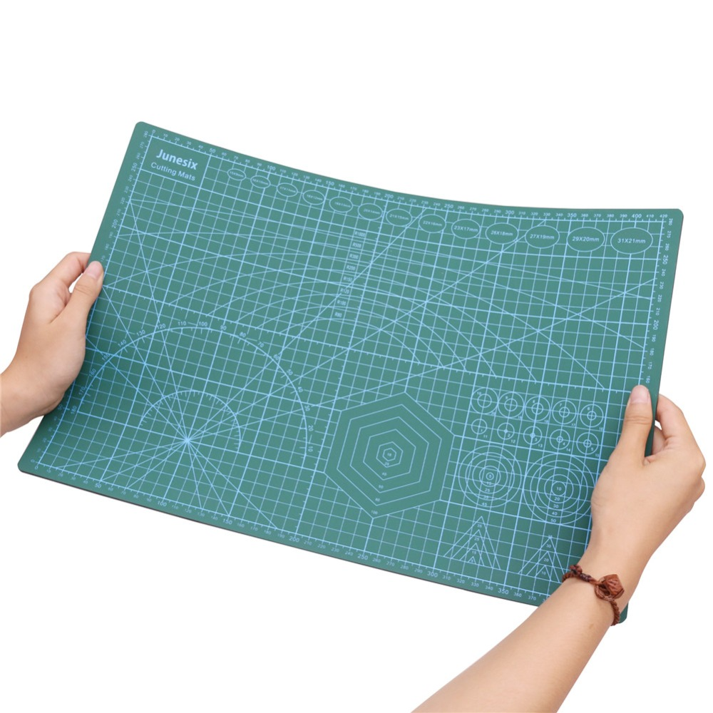 1 Pcs New PVC A3 Cutting Mat 450 Length*300 Width*3mm Thickness Arbitrary Bending Can Be Restored Office School Supplies