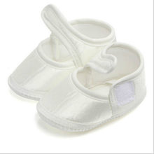 2019 Newest Hot White Newborn Baby Girl Soft Sole Cotton Crib Shoes Anti-slip Sneaker Prewalker First Walkers 0-6M(China)