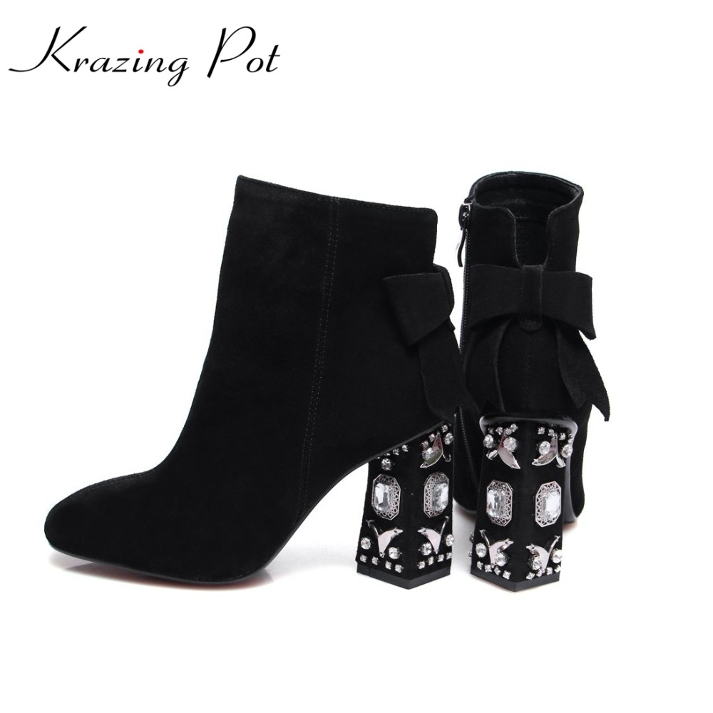 Krazing Pot fashion winter cow suede square toe bowtie thick diamond high heels solid women preppy style ankle Chelsea boots L13 krazing pot big szie cow suede slip on thick heel tassel bowtie winter pointed toe fashion superstar runway ankle boots l5f1
