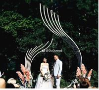 New wedding background shaped phoenix tail props placed pieces iron arch wedding reception area stage layout props.