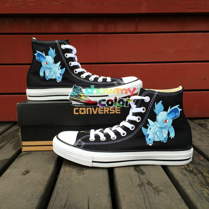 Prix pour Pokemon Aller Femmes Hommes Converse All Star Garçons Filles Chaussures Nidorina Conception Peinte à la main Top All Star Sneakers Creative cadeaux