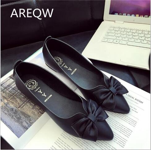 AREQW2017 new flat shoes woman fashion pointed toe shallow mouth empty flat shoes elegant women OL dress shoes 2017 the new european american fashion horn bow pointed mouth shallow comfortable flat sheet metal red shoes tide size 35 41