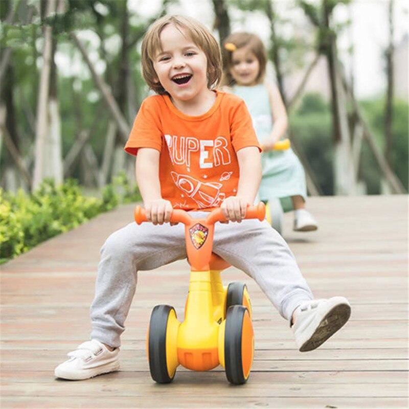 Enfants trois roues Balance vélo enfants Scooter bébé marcheur 1-3 ans Tricycle vélo tour sur jouets cadeau pour bébé jouets enfants Scooter