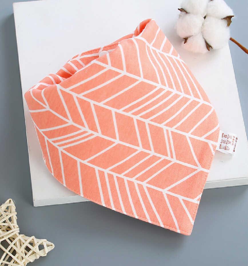 Nouveaux enfants bébé filles garçons imprimé bavoirs salive serviette Triangle Dribble tête écharpe Bandana beaux cadeaux